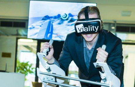 virtual-reality-e-day-brille-mann
